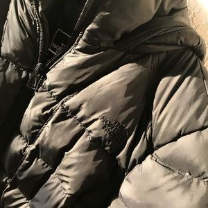 Women's North Face Puffer Jacket.